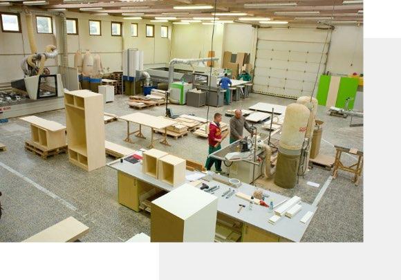 Výrobní zázemí rodinné společnosti Dřevomonta v Židlochovicích.